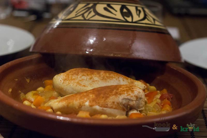 Kip met kikkererwten en feta
