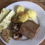 Biefstuk met gegrilde groenten van boven