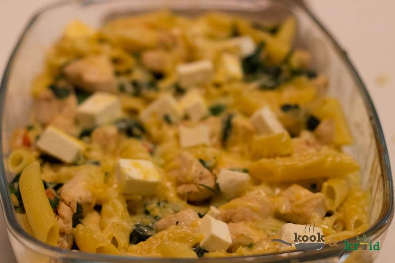 pastaschotel met spinazie en kip