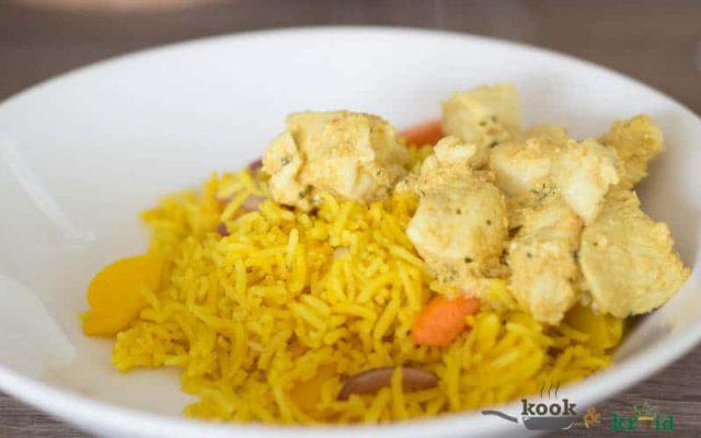 gele rijst met kip